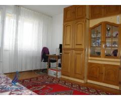 De vanzare apartament 3 camere, zona Dacia