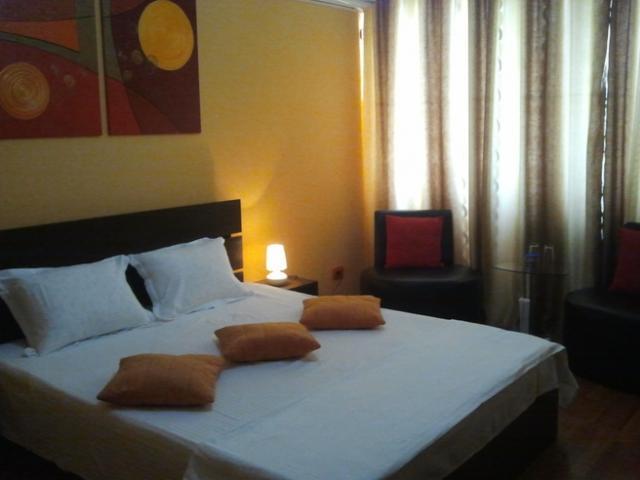 Regim Hotelier - 1/1