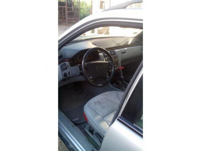 Dezmembrez Mercedes E290 TD automatic - 3/5
