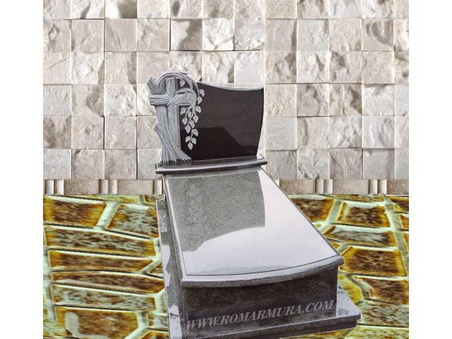 Cavou cu monument funerar granit negru - 1/1