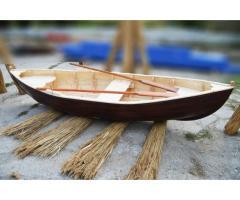 Barca din lemn pentru decor si expozitie