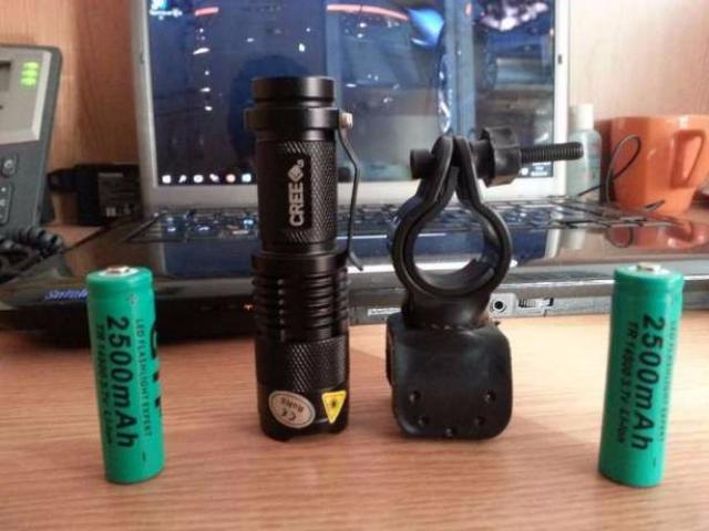 Lanterna bicicleta LED CREE Q5 si 2 acumulatori 2500mAH - 1/5