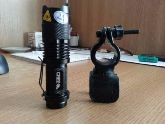 Lanterna bicicleta LED CREE Q5 si 2 acumulatori 2500mAH - 2/5