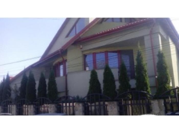 Teren 718 mp si casa, strada Arcasilor, nr. 8, Suceava - 1/1