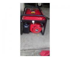 Generator curent Honda de 3.8 KW