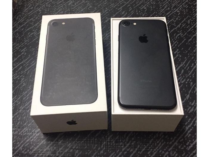 Apple iPhone 7 32GB cost 400 Euro / iPhone 7 Plus 32GB - 3/5