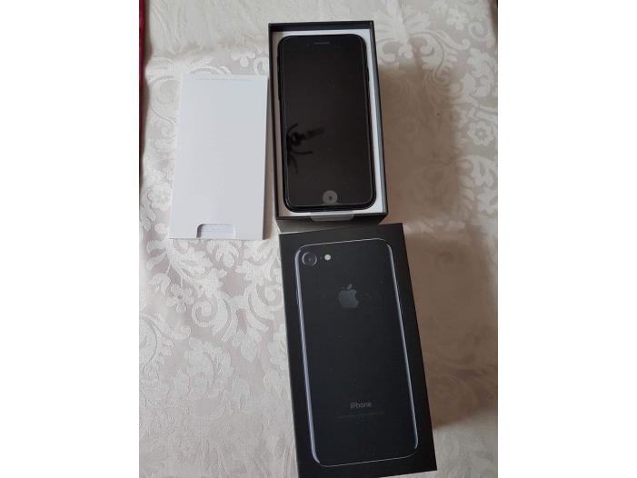 Apple iPhone 7 32GB cost 400 Euro / iPhone 7 Plus 32GB - 4/5