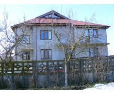 De Vanzare casa D+P+1+M, 15 camere in Cornetu, Il