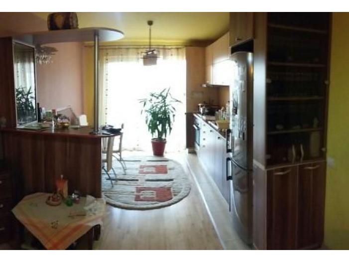 Vand apartament 2 camere Floresti - 1/1