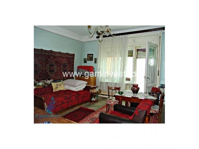 Apartament 4 camere, ultracentral, Oradea V1278 - 1/5