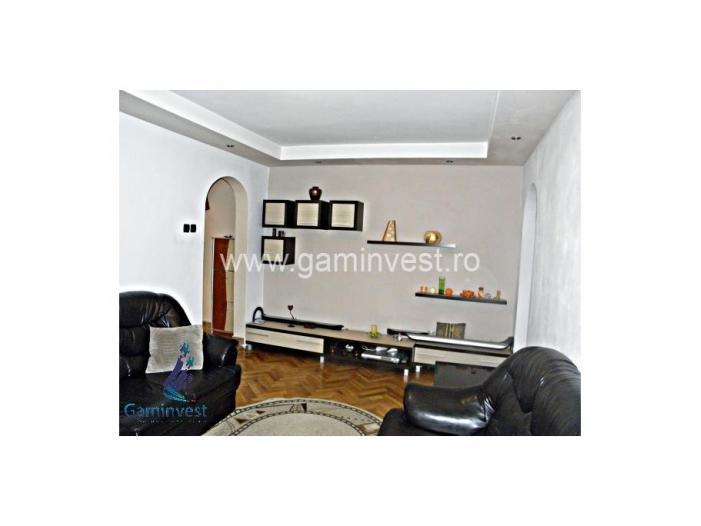 Apartament 3 camere de vanzare, Oradea V1334 - 2/5