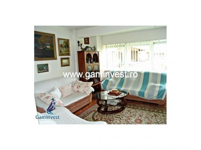 Apartament de vanzare cu 3 camere, zona Magheru  V1326 - 1/5