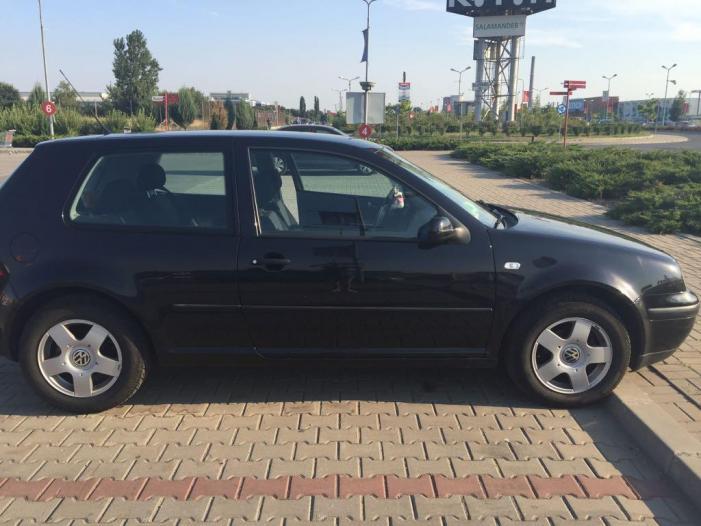 VW GOLF4 - 2/5