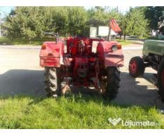 Tractor marca INTERNATIONAL 323