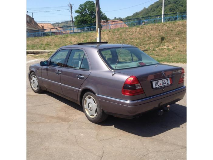 Mercedes Benz C220 Elegance - 2/5