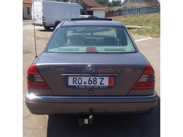 Mercedes Benz C220 Elegance - 3/5