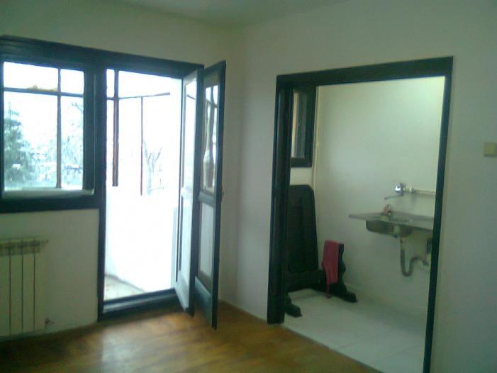 Inchiriez apartament 2 cam. semidecomandat, zona Floreasca - 1/5