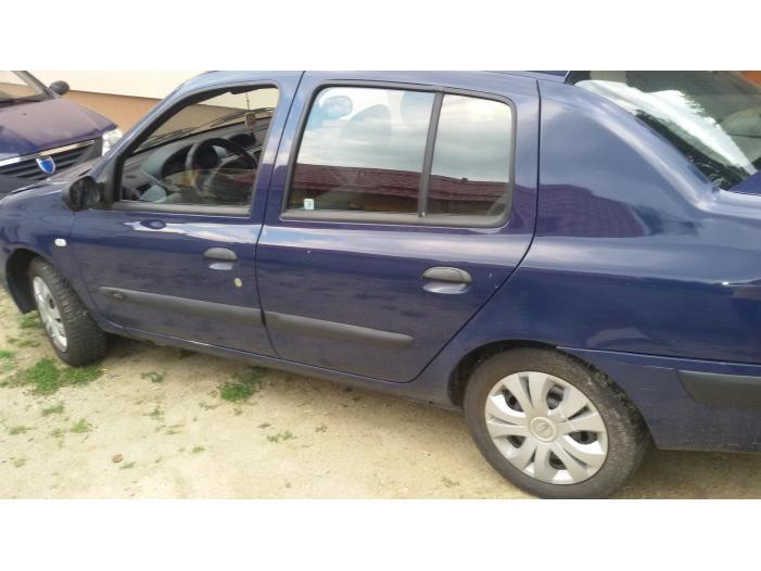 Renault Symbol Clio - 2/5