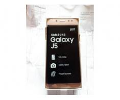 Vând samsung galaxy j5 noi gold si blue nefolosite model 2017