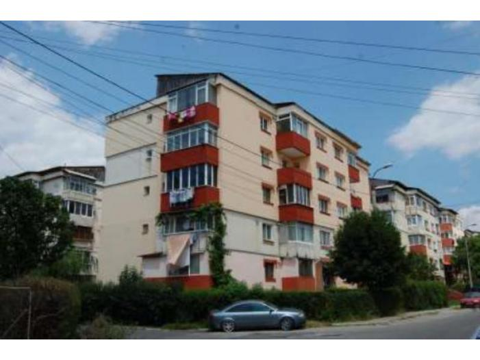 Apartament 3 camere, 67.71 mp, Campulung, Arges - 1/1