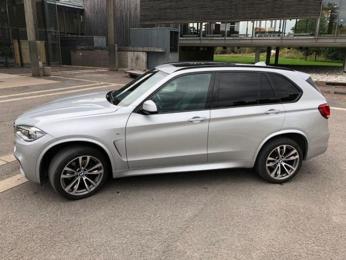 BMW X5 xDrive25d (211hk) 2014, 47200 km 3800€ - 2/3