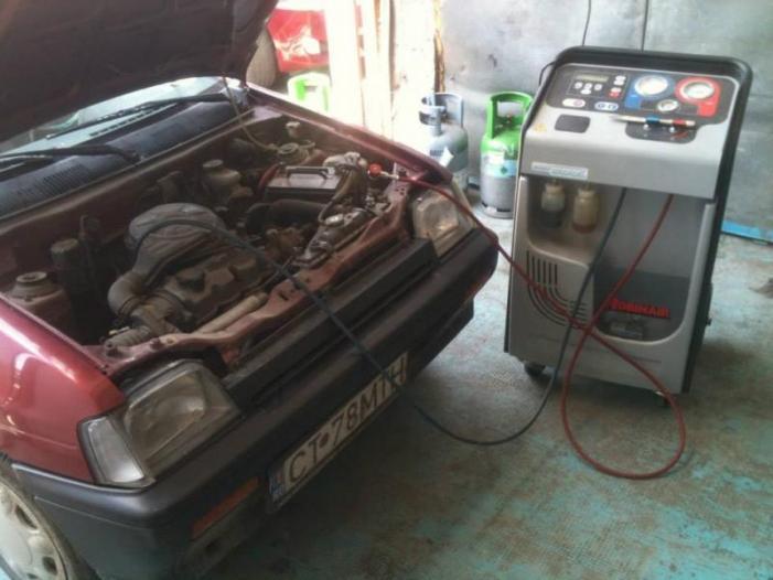 Incarcare freon auto A/C, Iulius Service, Constanta - 2/3