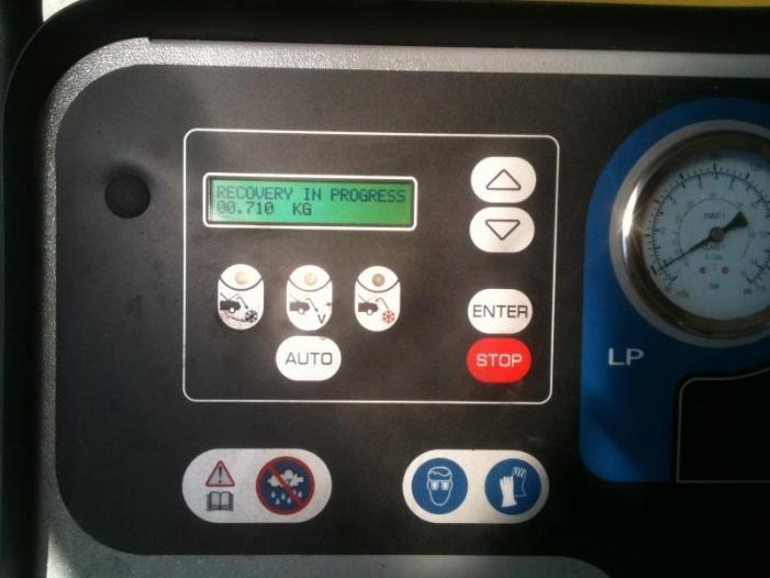 Incarcare freon auto A/C, Iulius Service, Constanta - 3/3