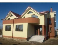 Vand apartamente cu 3 camere in vila Bacau