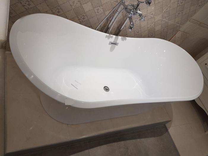 Cada baie compozit freestanding tip insula - 2/3