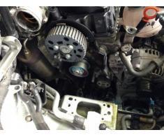 Inlocuire kit distributie auto (curea, lant, rola, intinzator)