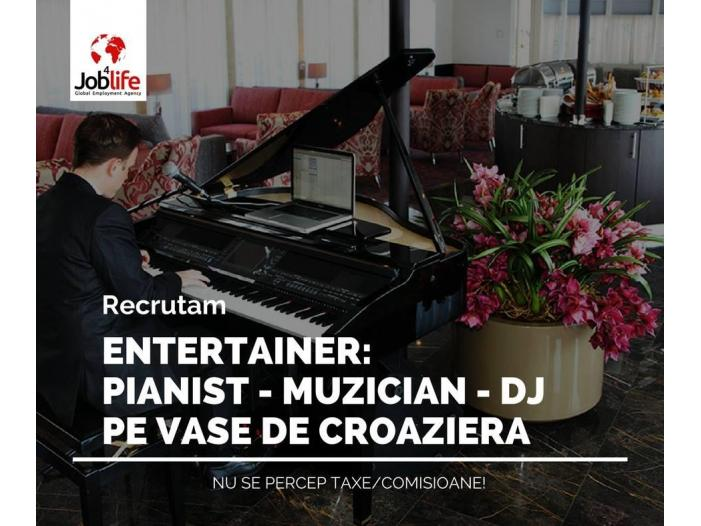 ENTERTAINER: PIANIST - MUZICIAN - DJ - 1/2