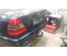 Mercedes Dezmembrez C Klass 200 benzina