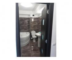 Vand apartament 2 camere, parter, zona Tractorul-Brasov