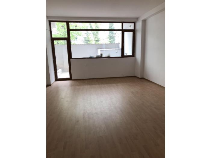 De Inchiriat -  Apartament 3 camere, Obor - 2/2
