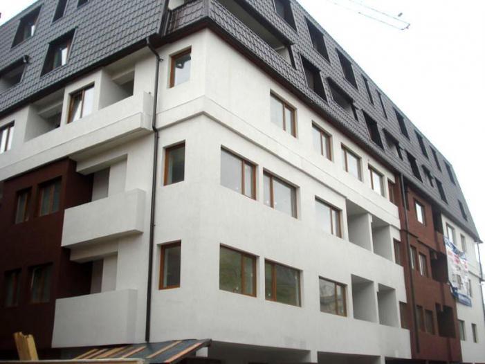 Vand  apartament 3 camere - 1/1