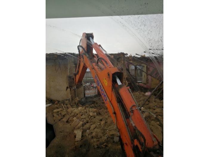 Inchiriez buldoexcavator cu deservent - 2/3
