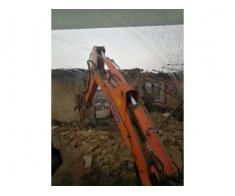 Inchiriez buldoexcavator cu deservent