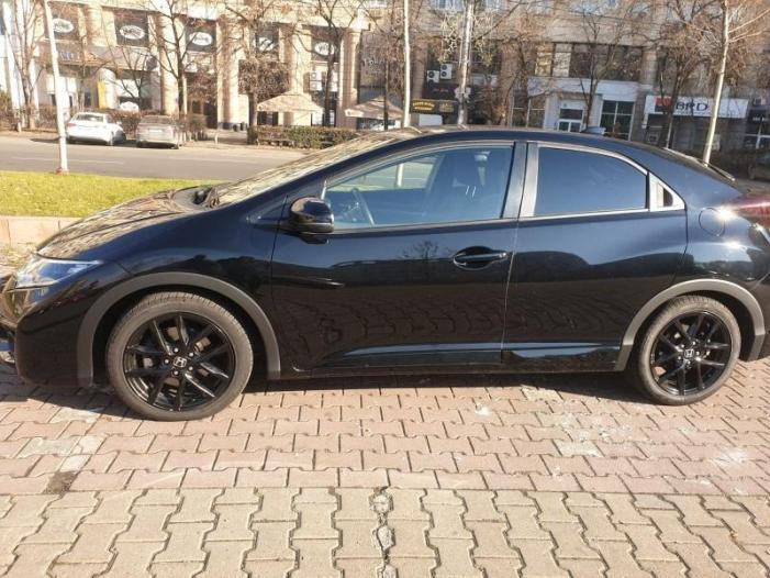 Honda Civic - 2/3