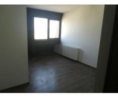 Vand apartament 3 camere Chiajna