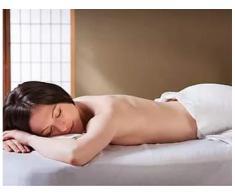 Efectuez masaj anticelulitic pentru persoane supraponderale cu exces de greutate sede