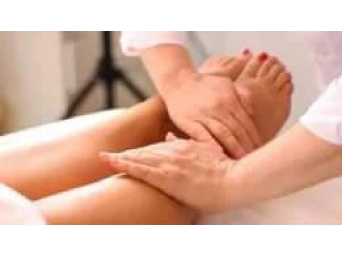 Efectuez masaj anticelulitic pentru persoane supraponderale cu exces de greutate sede - 3/5