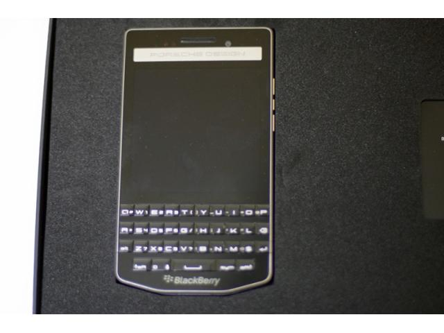 BlackBerry P9983 Porsche Design sigilate !! libere !! - 1/1