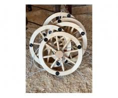 Produc lustre rustice din lemn